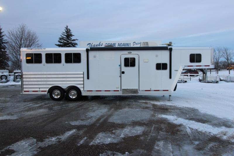 2015 Featherlite 3HR 11' LQ Horse Trailer