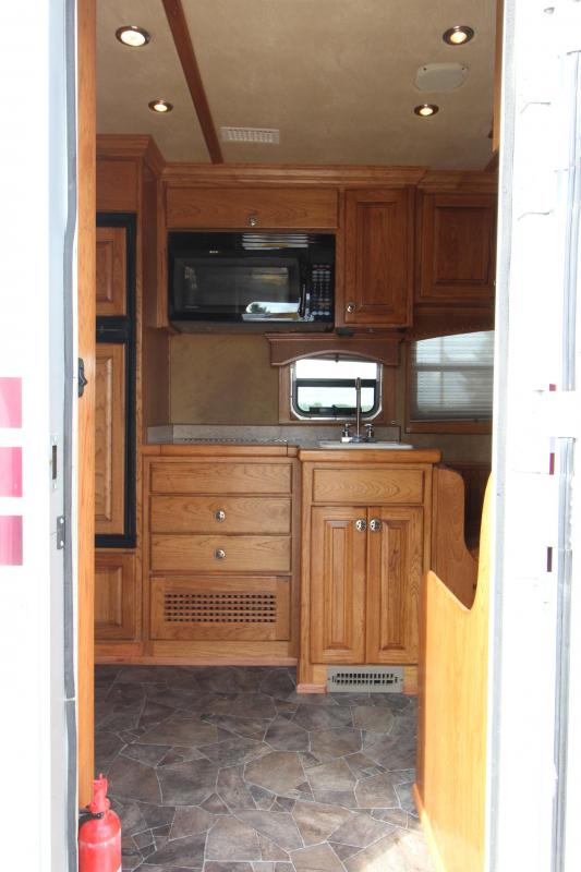 2008 4-Star Trailers 4HR LQ Horse Trailer