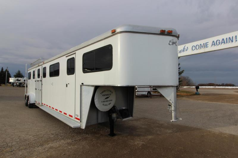 2000 Hawk Trailers 4HR Head to Head Horse Trailer