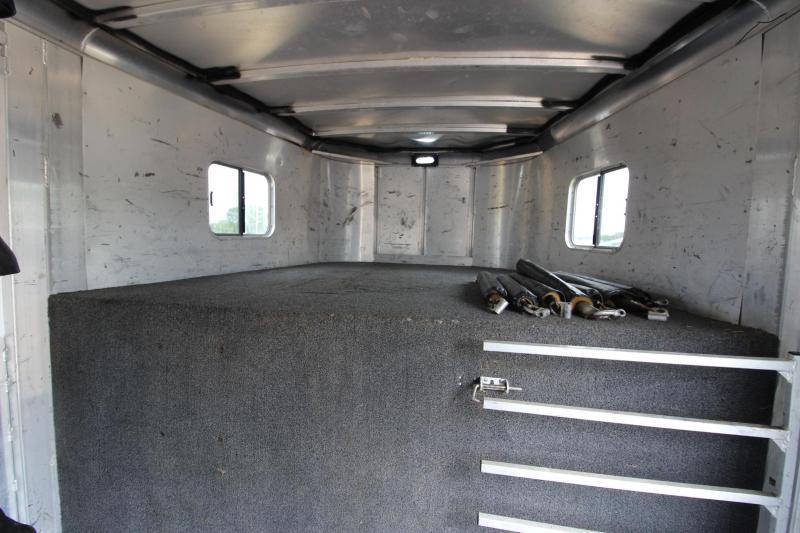 2006 Sooner 6HR H2H Horse Trailer