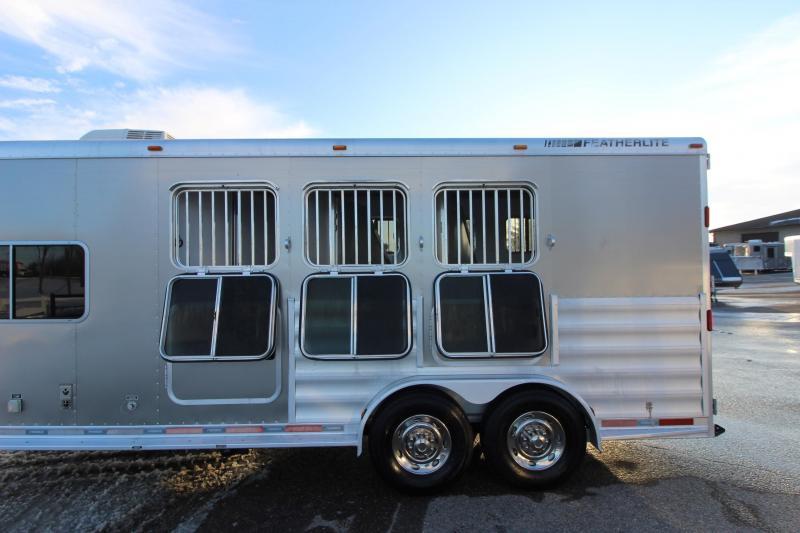 2009 Featherlite 3HR 8' LQ Horse Trailer