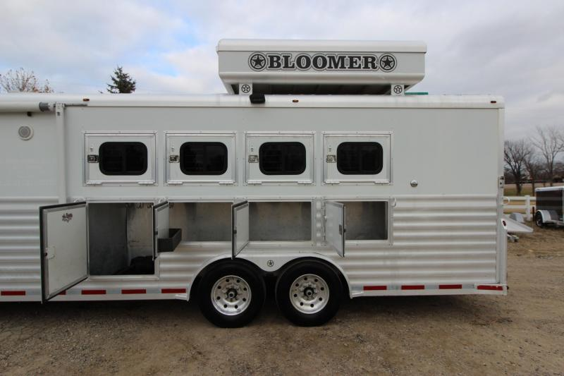 2005 Bloomer 4HR 17' LQ Horse Trailer