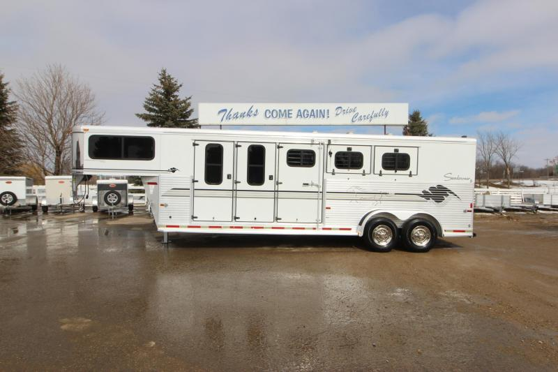 1998 Sundowner Trailers 3HR MT GN Horse Trailer