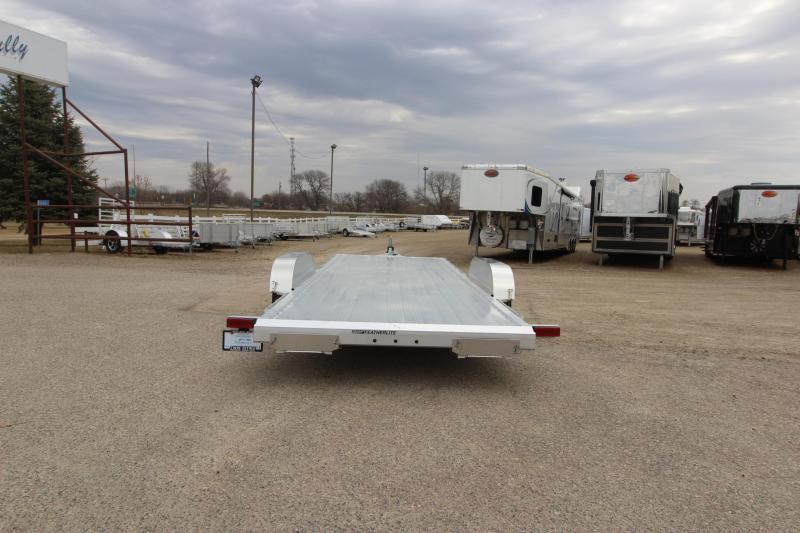 2020 Featherlite 3182 20' Car / Racing Trailer