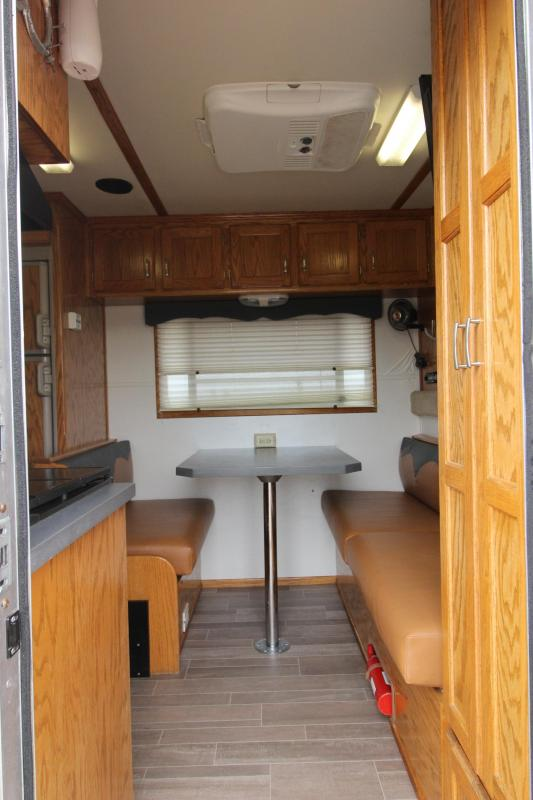 2000 4-Star Trailers 4HR GN with 11' LQ Horse Trailer