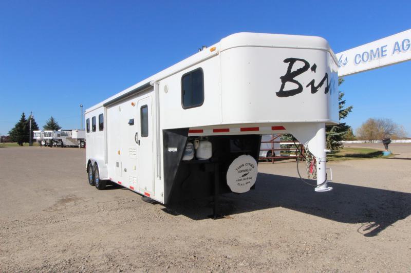 2012 Bison Trailers 3HR 9 LQ Horse Trailer