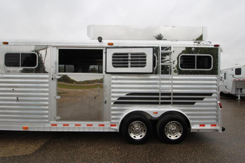 2004 4-Star Trailers 5HR Head to Head Horse Trailer