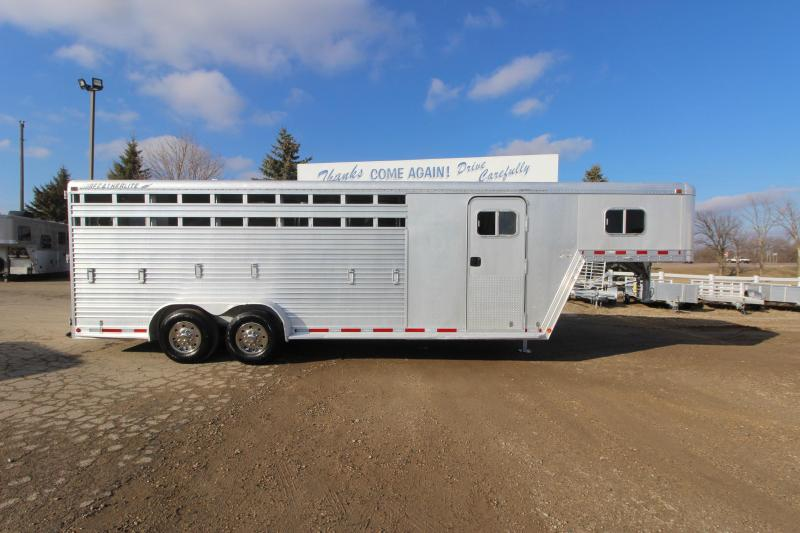 1996 Featherlite 5HR GN Horse Trailer