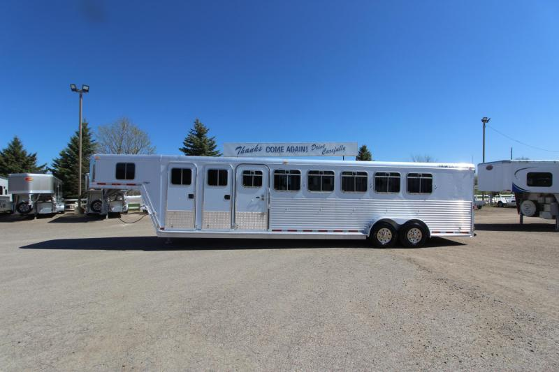 2002 Featherlite 6HR GN MT Horse Trailer