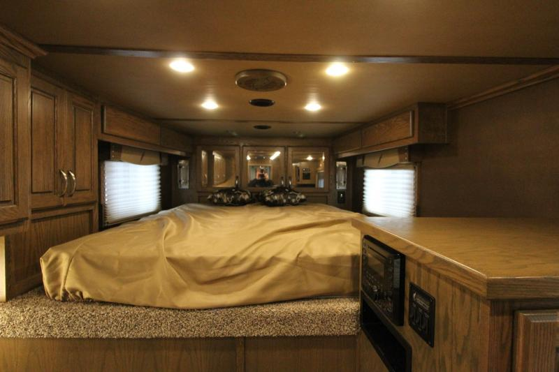 2016 Featherlite 3HR 9821 13' LQ Horse Trailer