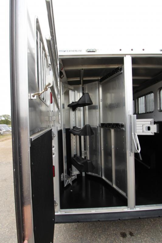 2016 Featherlite 3HR 9821 13' LQ Horse Trailer