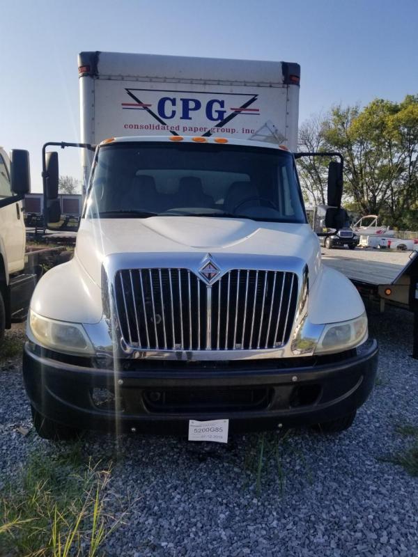 2004 International 4300 Truck