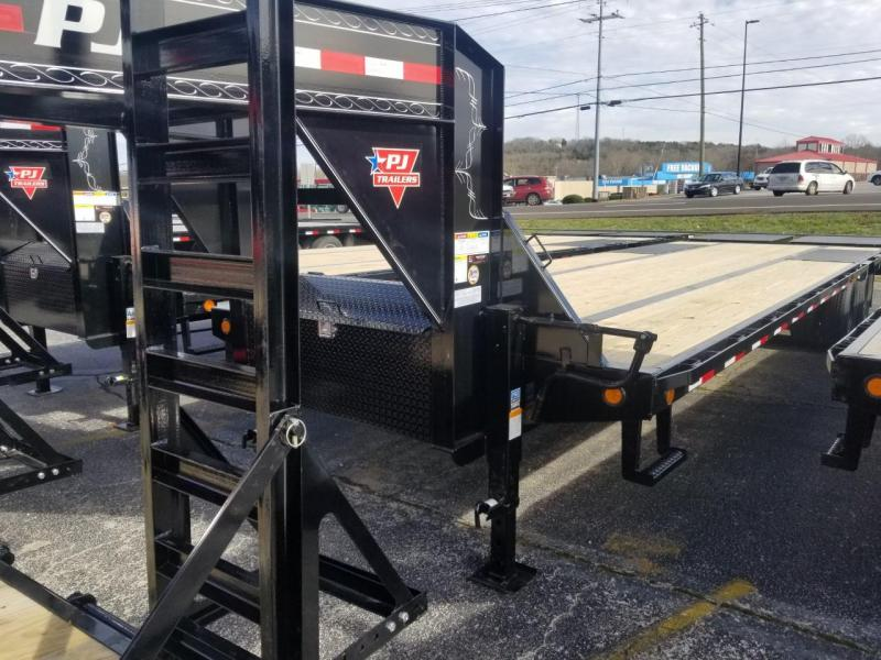 2019 PJ Trailers LD302 Flatbed Trailer