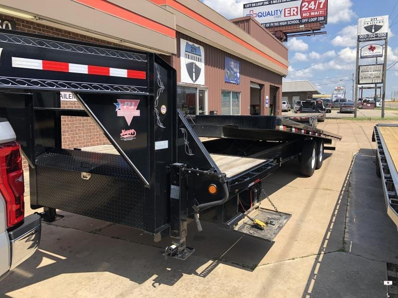 2015 PJ Trailers T9282 Equipment Trailer
