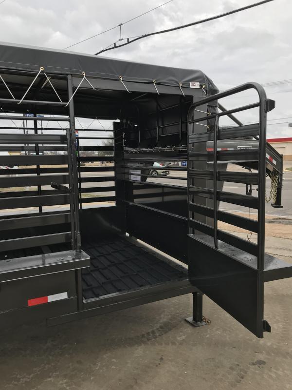 2020 Delco Trailers GB6832370 Livestock Trailer