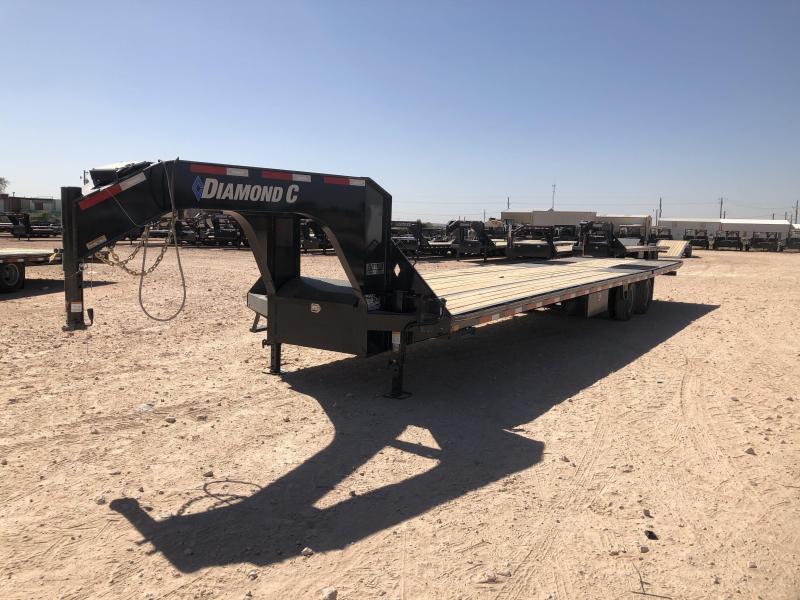 2019 Diamond C Trailers 32' Gooseneck Hydraulic Dovetail Deckover Trailer