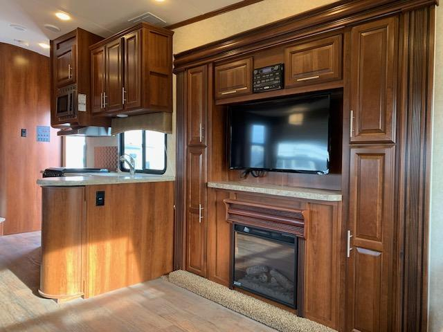 2014 Forest River Wilderness 317RL Fifth Wheel Campers RV