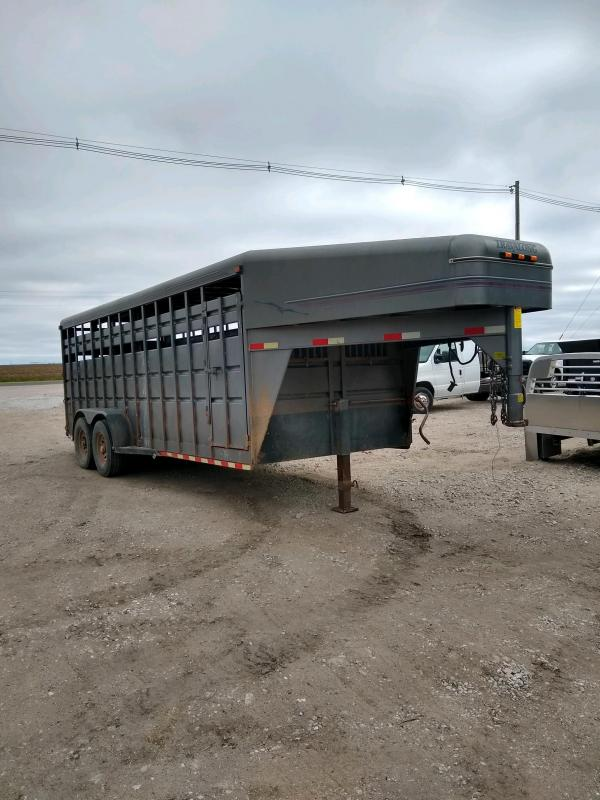 1999 Travalong 6'8X20 GN Livestock Trailer