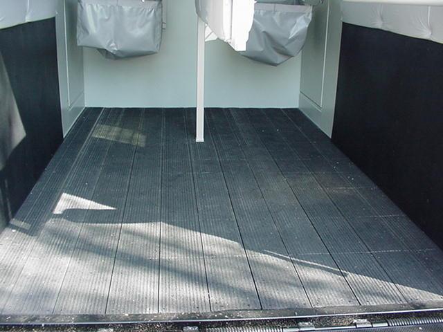 Hawk Elite Standard 2H BP Straight Load - Dress/Tack Room - Ramp - Rumber Floor