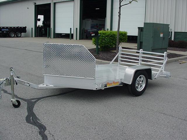 Bear Track Aluminum 76 x 11 SA V Nose Motorcycle w/ Rockguard