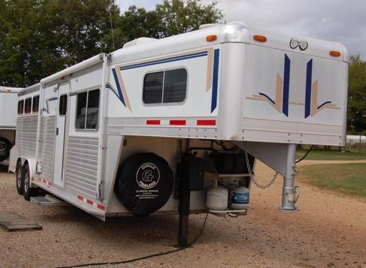 2001 C and C  Living Quarter Horse Trailer