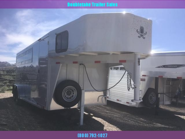 2019 Titan Trailers ROYAL 4 HORSE SLANT LOAD Horse Trailer