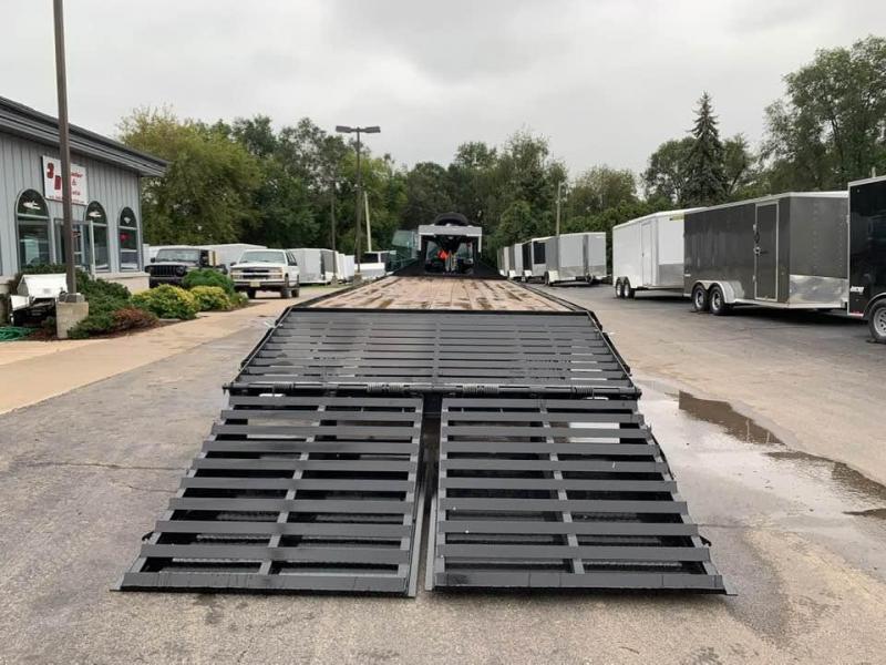 2019 Travalong 31' Gooseneck Deckover 20K GVWR w/ Full Width Ramps