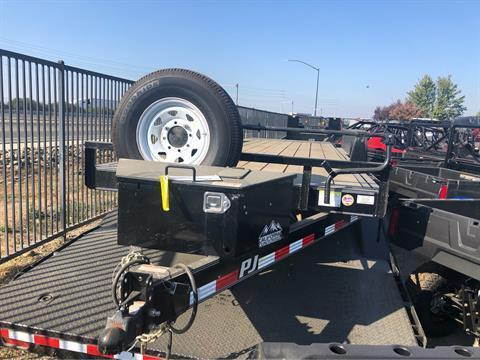 2019 PJ Trailers 22' POWERED FULL TILT