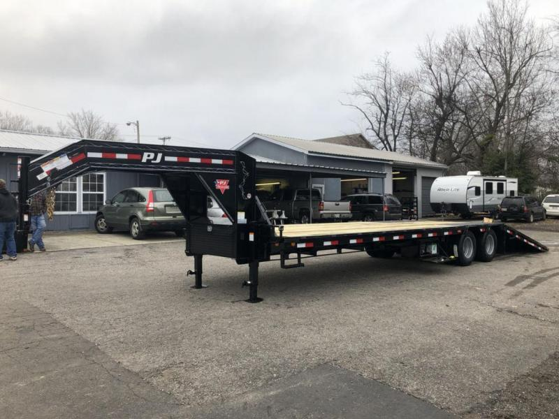2020 PJ Trailers 32' Low-Pro with Hydraulic Dove (LY) Flatbed Trailer