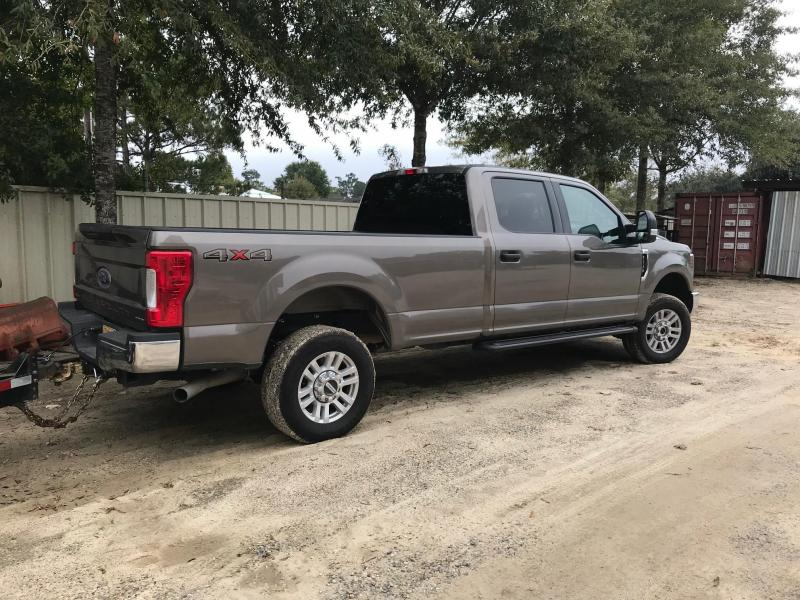 2018 Ford F250 SuperDuty XLT Truck