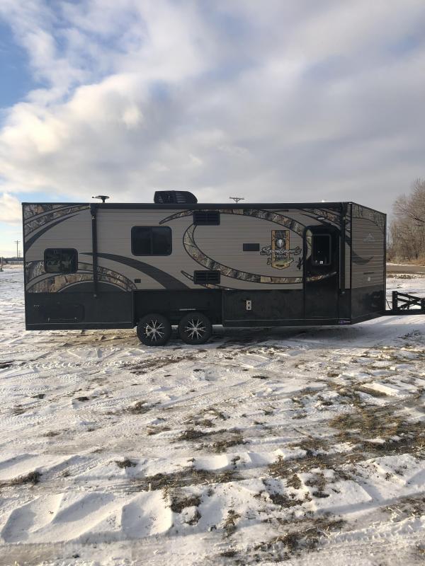 2019 Glacier 21' SPORTSMAN DEN Ice/Fish House Trailer
