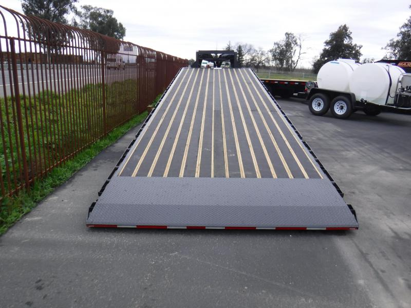 2019 MAXXD FLATBED SLIDE X TILT Equipment Trailer