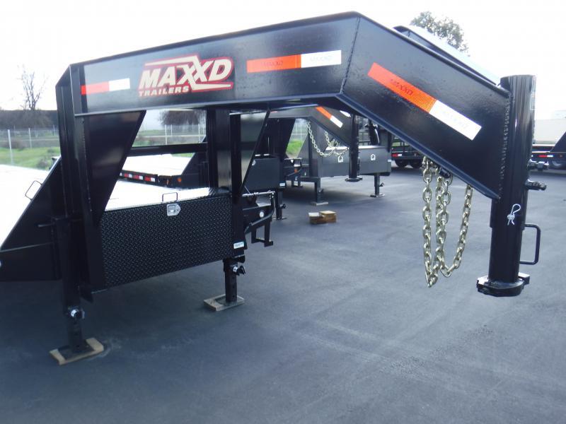 2019 MAXXD LO PRO FLATBED Equipment Trailer
