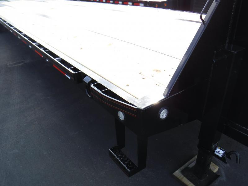 2020 MAXXD LO PRO FLATBED Equipment Trailer