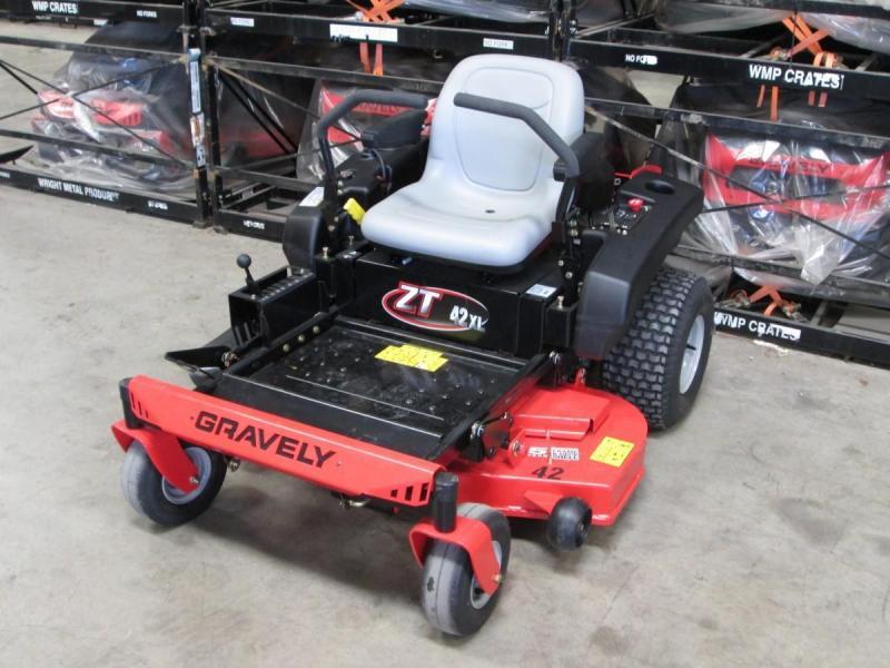 2018 Gravely ZT X 42 Lawn/ Zero Turn Mower