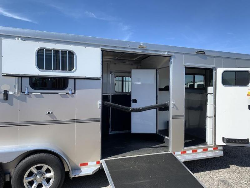 2018 Sundowner Trailers Charter SE TR 2+1 Box Stall Horse Trailer