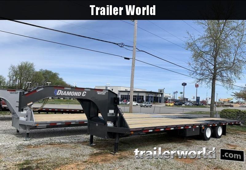 2020 Diamond C FMAX212 32' Hydraulic Dovetail Trailer