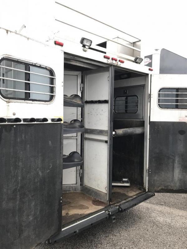 2000 Sundowner Living Quarters Horse Trailer