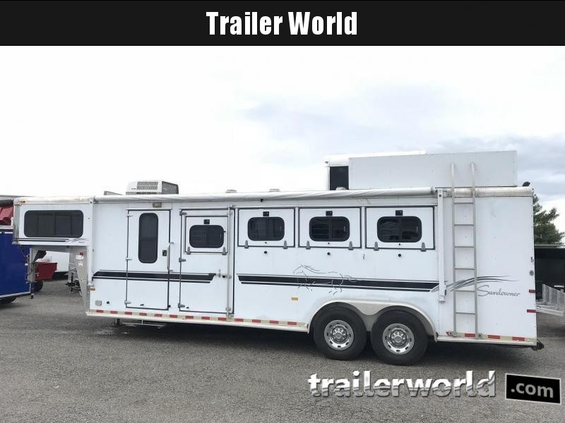 2000 Sundowner Living Quarters Horse Trailer