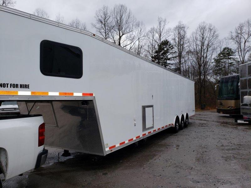 2019 Vintage Trailers P844G-PS Car / Racing Trailer