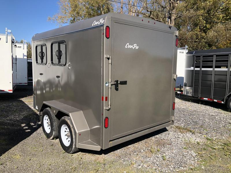 CornPro Trailers HB-14 7S Deluxe Horse Trailer