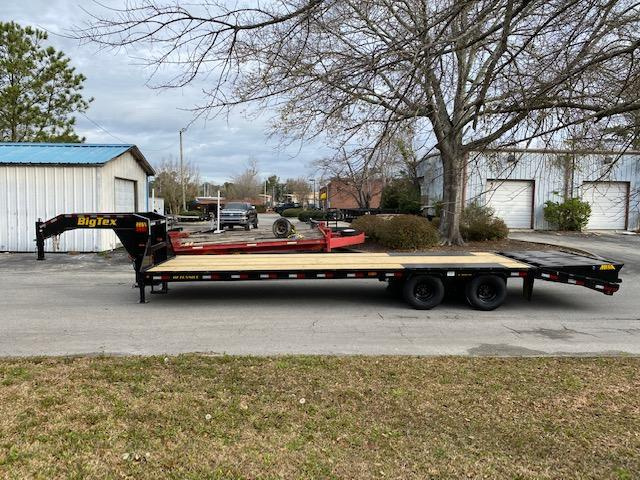 Big Tex 22GN 25' Flatdeck Gooseneck Trailer with 5' Mega Ramps on the Dove Tail