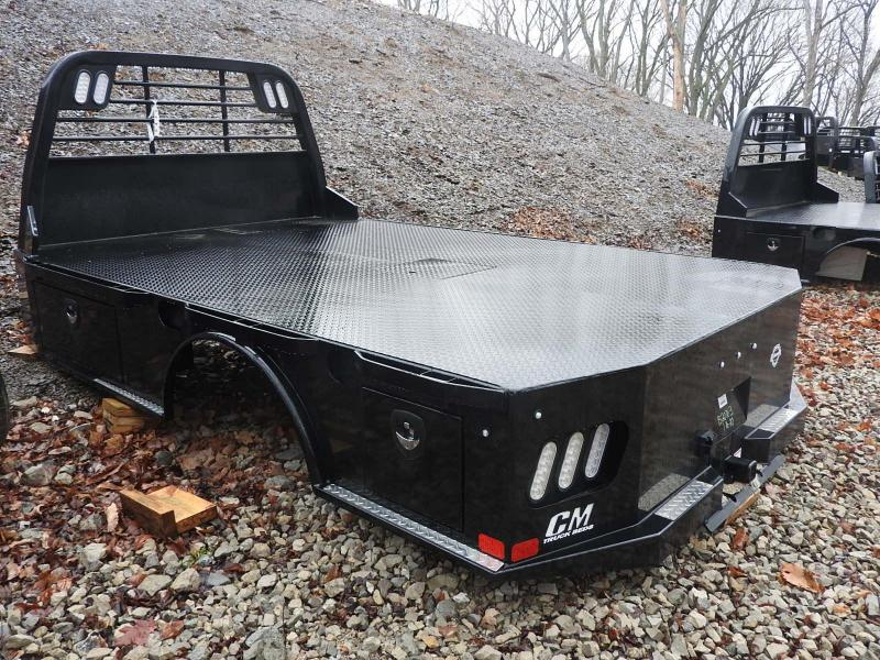 CM SK 11'4/94/84/34/ 2RTB Truck Bed / Equipment