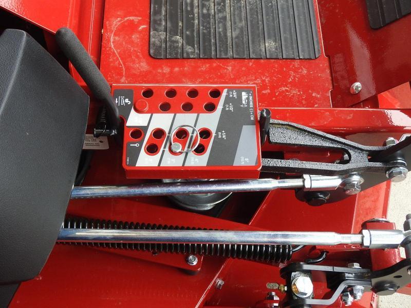 "Ferris Mowers ISX 3300Z EFI 37 HP 72"" Deck"