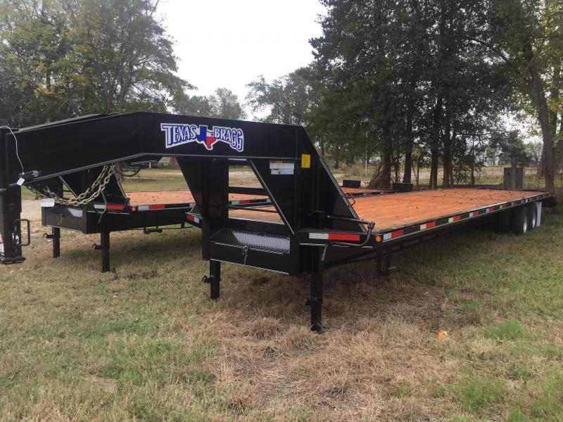 2017 Texas Bragg Trailers 30+5 Tandem Dual Gooseneck