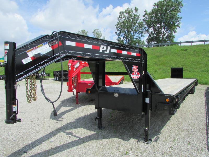 2019 PJ Trailers 44 ft Gooseneck Flatbed Trailer