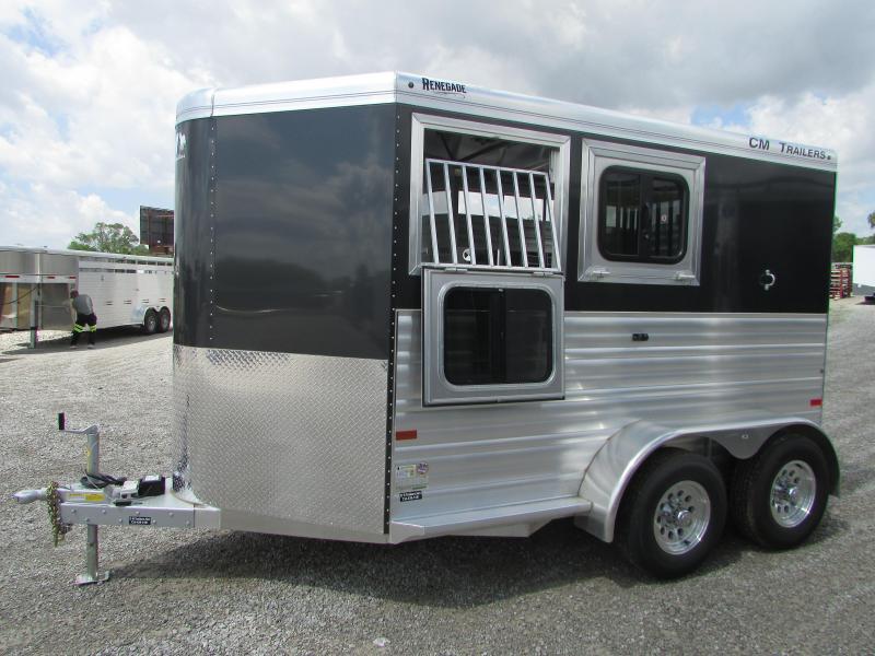 CM 2 Horse Slant Load Trailer