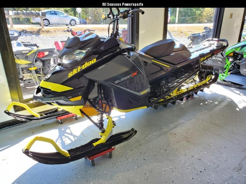 2017 Ski-doo Summit 154 850