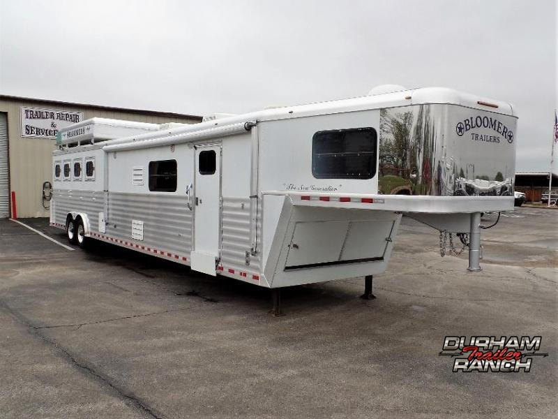 "2006 Bloomer 4Horse Trailer w/ 19'9"" Short Wall LQ & 10' Slide Horse Trailer"