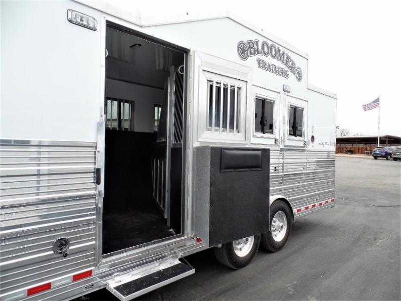 "2015 Bloomer 4 Horse 17'6"" SW w/ 6' Hyd. Slide & Bunk Beds Horse Trailer"